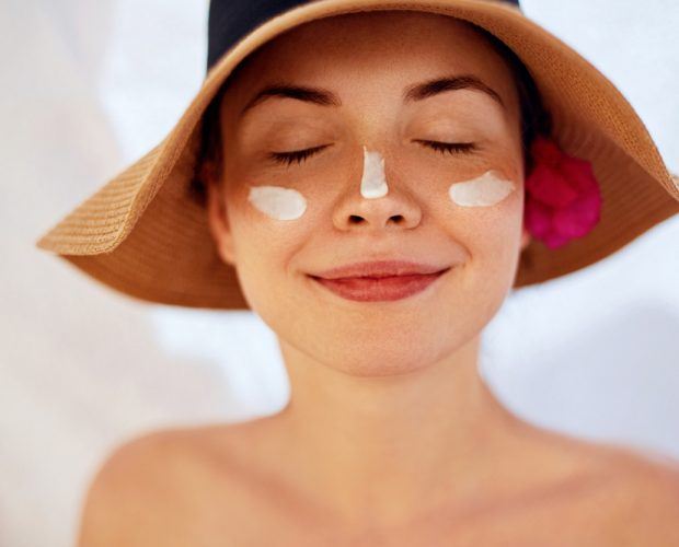 5 Reasons you should be wearing sunscreen every day | Burst Brushes