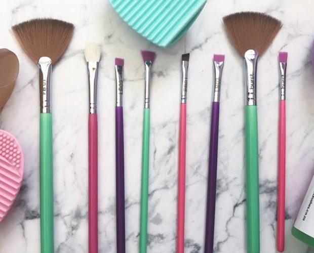 Best Beauty Gift Guide | Burst Makeup Brushes