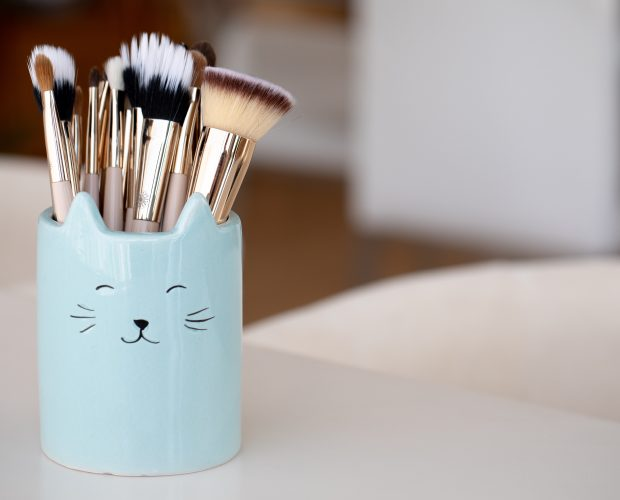 Reasons Why You Should Invest in Good Makeup Brushes | Burst Makeup Brushes